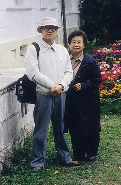 Photo of Dong Fangbai (Source: Avanguard Publishing Company)