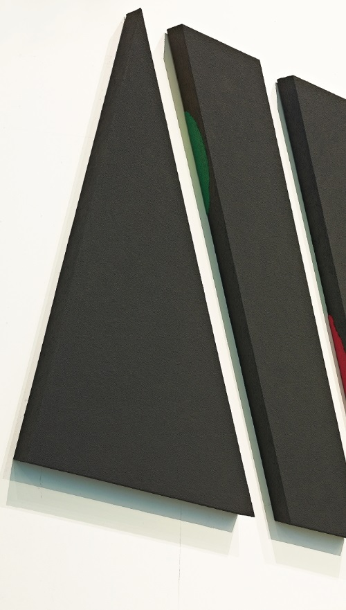 Jun T. LAI〈Being and Transformation Black Sand Series: NY84003〉Detail