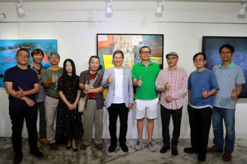 Minister meets with southern Taiwanese creators
