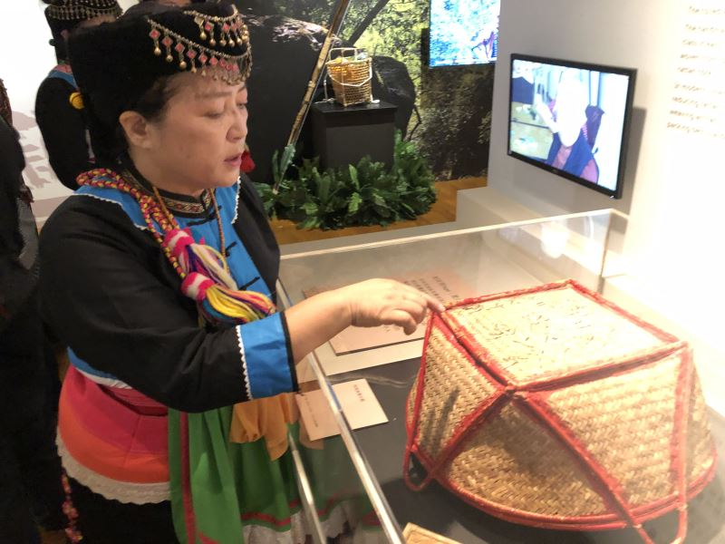 Prehistoric weaving & pottery exhibition in Taitung