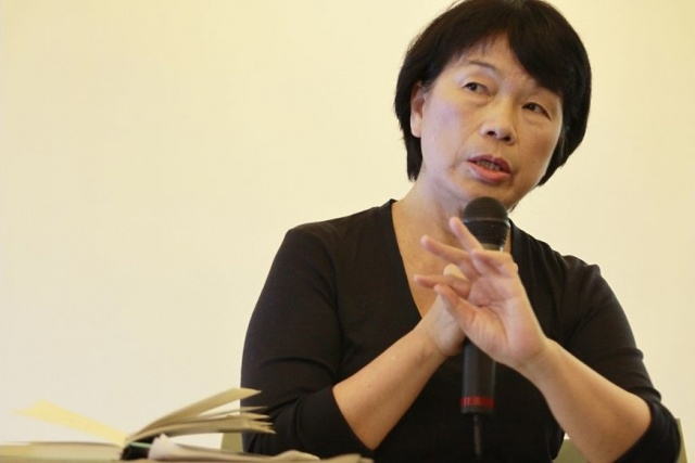 MINISTER 'WILLING' TO VISIT CHINA IF INVITED