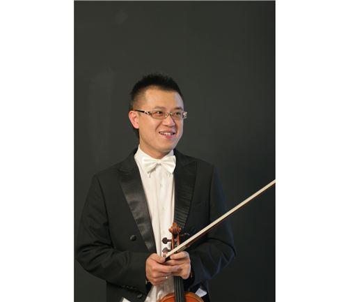 何嘉浤 (HO,Chia-Hung)