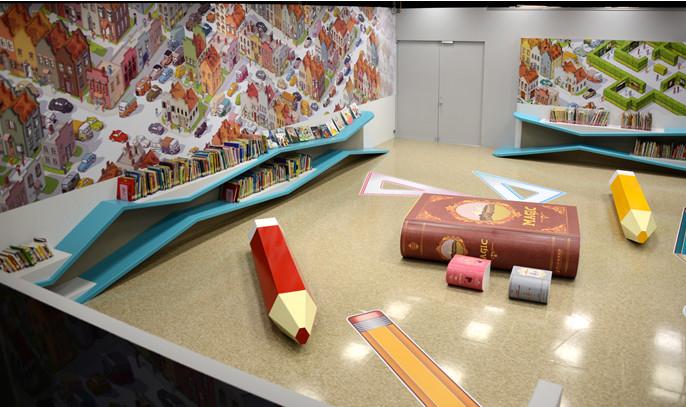 兒童繪本區 岸邊書櫃