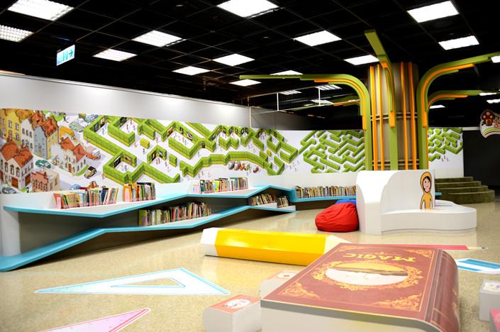 兒童繪本區 繪本迷宮