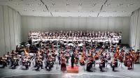 陳美安指揮國臺交與女高音何佳陵及北加州台美人合唱團於舊金山共同演出蕭泰然合唱作品