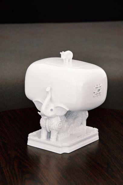 吉象方尊 Elephant Treasure Box