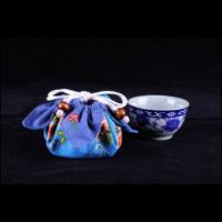 藍地繡花杯套