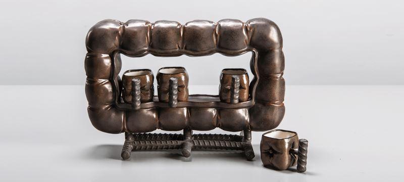 裝飾與實用器物—皮革杯與座