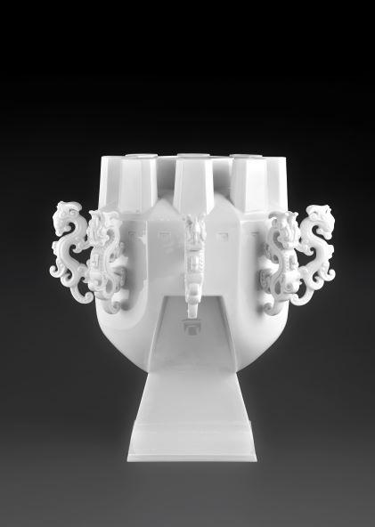 浩然盛世 Hui Dragon Vase