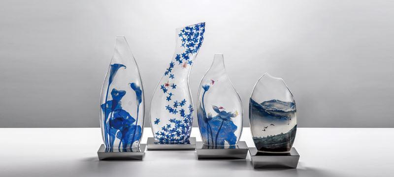 青花瓶──春映、夏雪、秋韻、冬藏