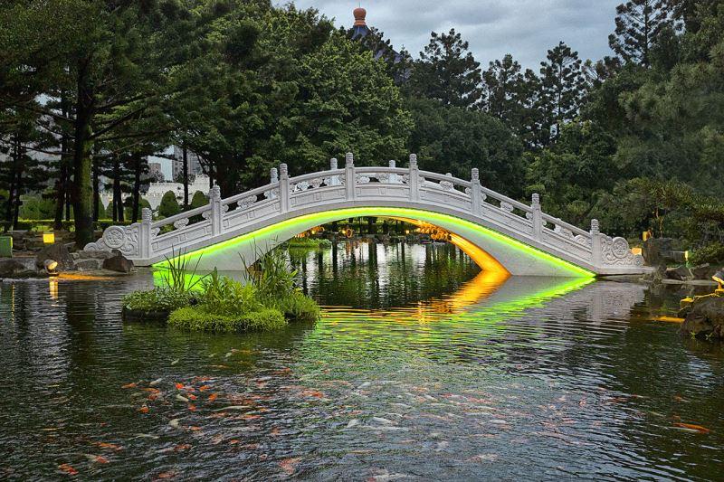 20190517拱橋燈光夜景(黃綠光)