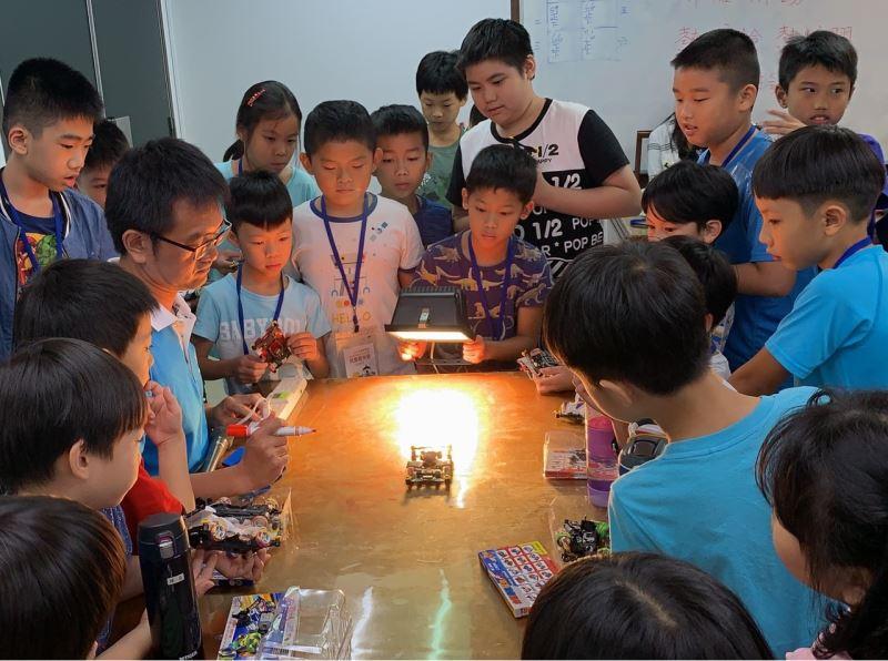 20190807兒童夏令營-創客太陽能車