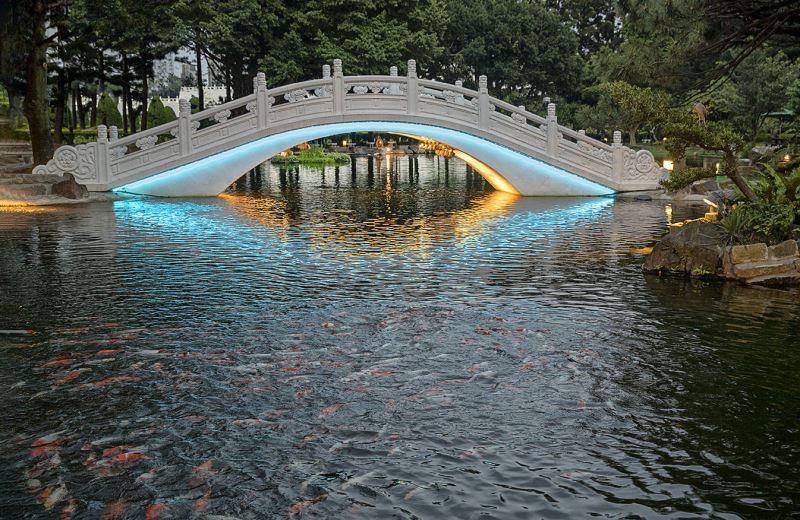 20190524拱橋燈光夜景(水藍光)