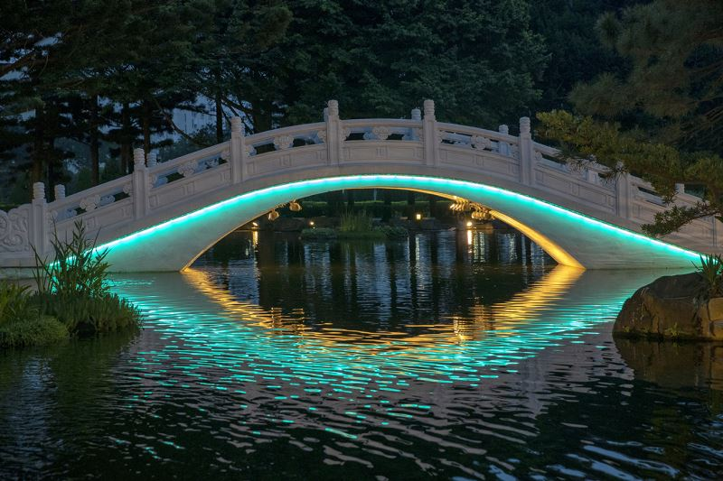 20190516 arch bridge Light night view (blue green)