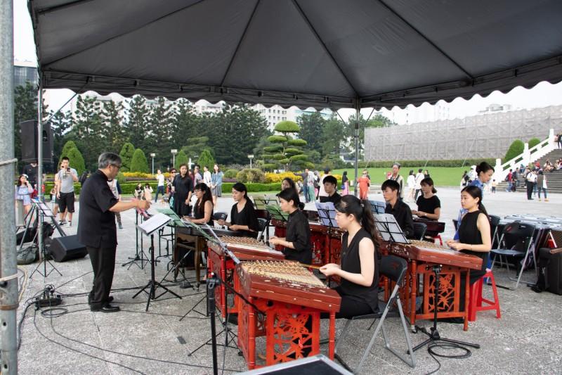 20181118民主大道藝文表演-台灣揚琴樂團