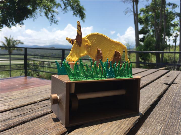 會動的水牛─3D列印筆+自動機械製作+Scratch程式遊戲+浮空投影體驗活動