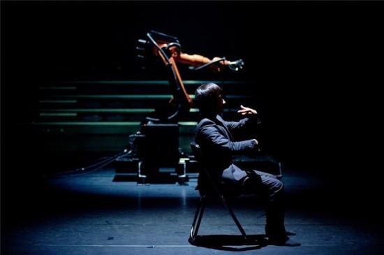 Choreographer | Huang Yi