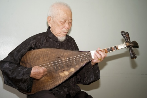 TAIWAN'S NANGUAN MUSIC MAESTRO DIES AT 94