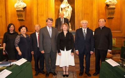 MINISTER HOSTS AWARDS CEREMONY IN PARIS