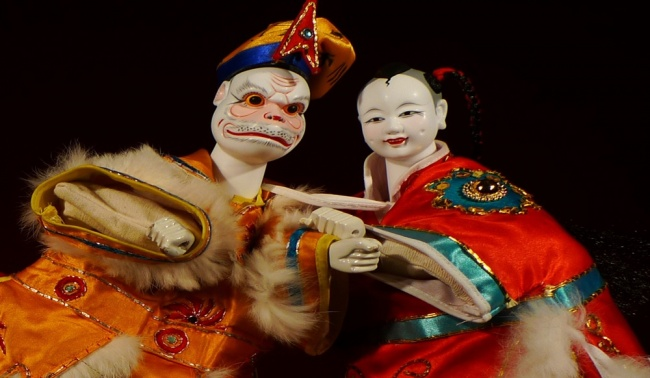 TAIWANESE PUPPETS FIND NEW AUDIENCE IN L.A.