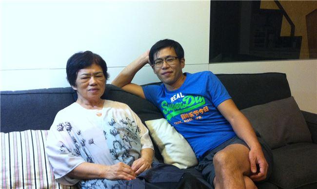 蔡麗華(左)與林文中母子都選擇以舞蹈為志業。