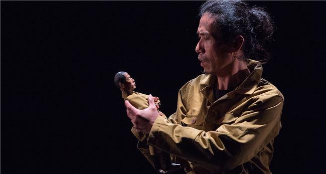 受邀來臺演出多次,楊輝首次接受臺灣委託創作,由臺北兩廳院與高雄衛武營藝文中心聯合製作的史詩作品《邊界》,剛剛完成北高的首演。