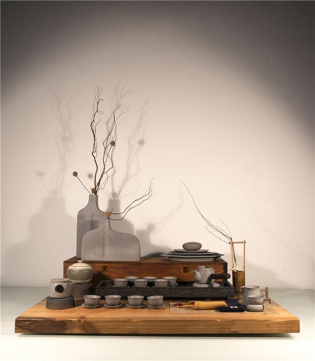 曾靖驍的陶瓷創作《石青》
