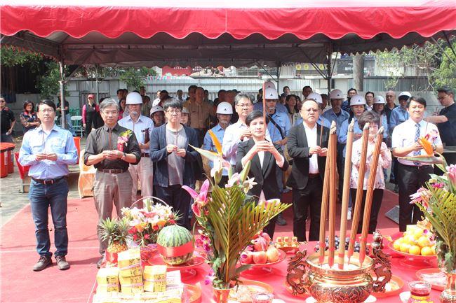 文化部長鄭麗君等8位主典者敬香祈福祝禱