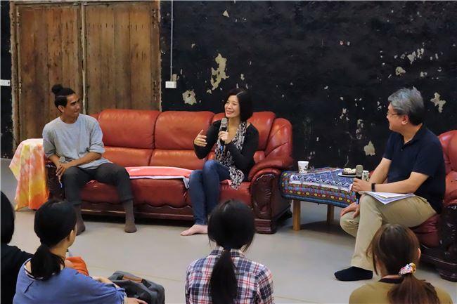 從小愛看漫畫、卡通、電影的李應平執行長表示,因為小時候的累積,讓她日後推行文化政策更了解產業。