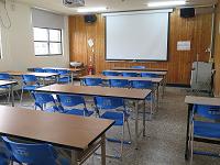 203教室