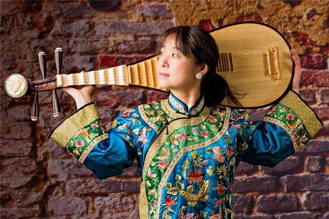 琵琶演奏家吳蠻是絲路計畫中的重要成員之一。