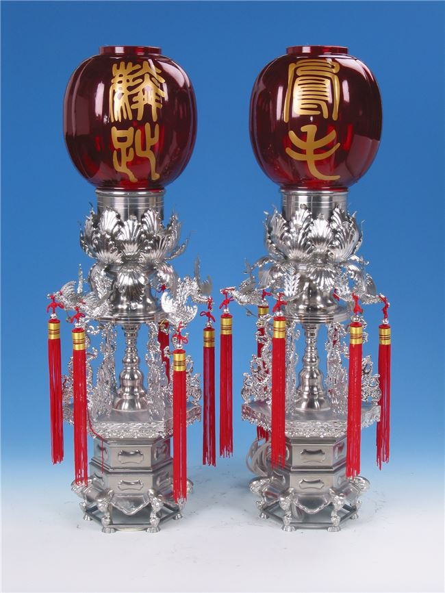 陳烱裕錫作品「紅柑燈」。