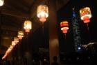 迴廊四周辦李慶元宵彩繪燈籠活動