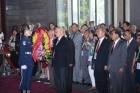 美國北加州各地中華會館回國訪問團關健中團長率團員一行人蒞館參訪及敬獻。