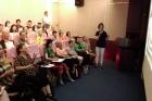 簡報室辦理導讀會,由本館劇場管理組蔣燕美小姐導讀《世界絕美劇場蒐藏》一書,計有38人參加。