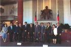 日華議員懇談會訪台團一行12人至本館向國父銅像獻花致敬。