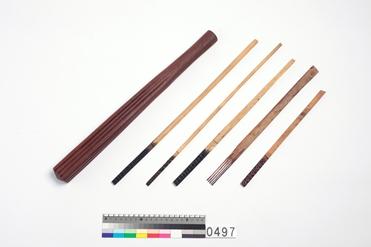 圖1 大洋洲的樹皮布打棒及印製工具