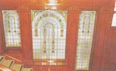 甘棠第內色彩斑爛的玻璃窗