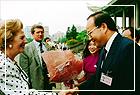 柴契爾勛爵訪華蒞臨本館做專題演講,高館長崇雲先生親往迎接