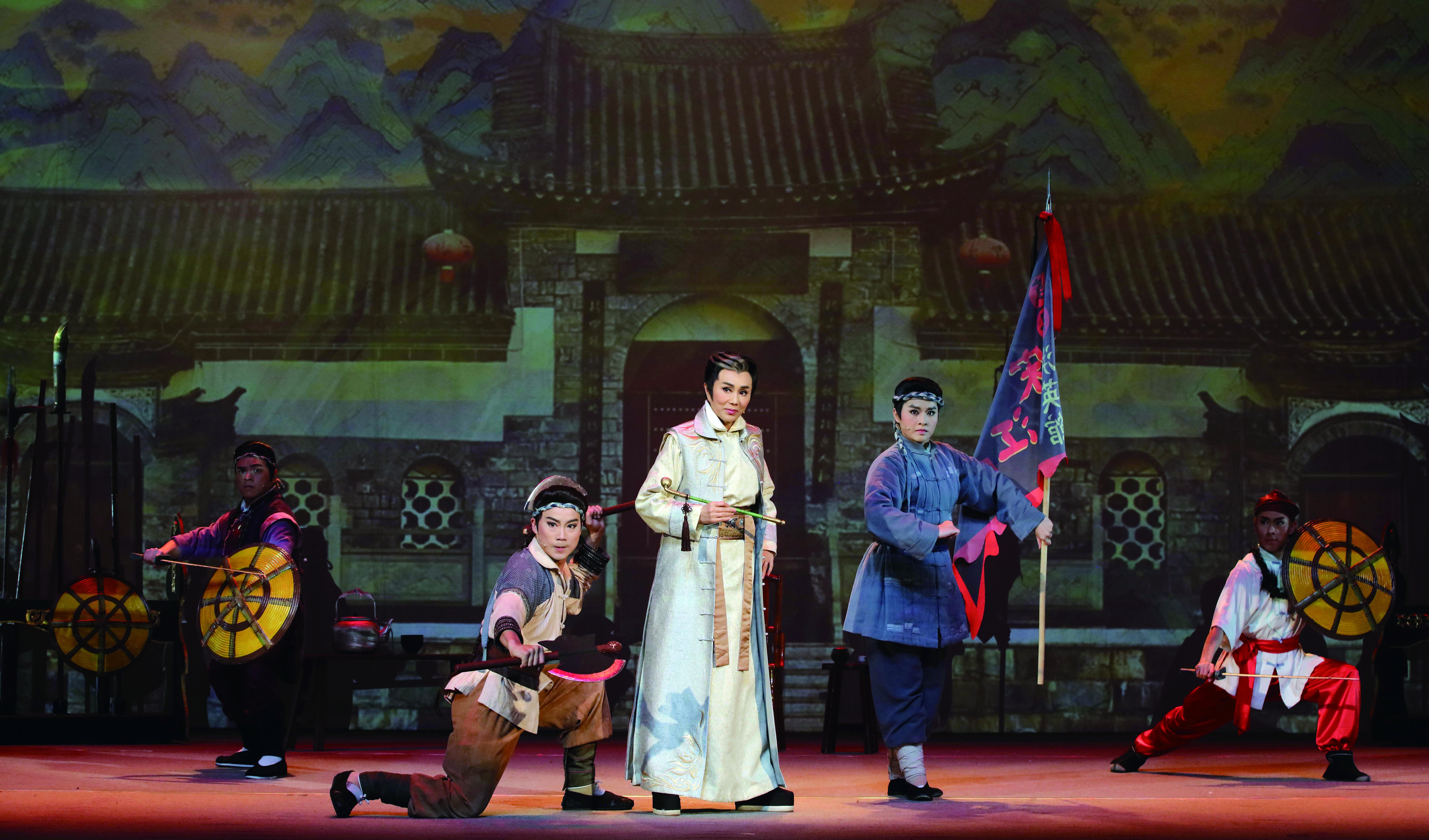 傳統戲曲觀眾仍習慣看孫翠鳳的演出,一時難改此習性。.jpg
