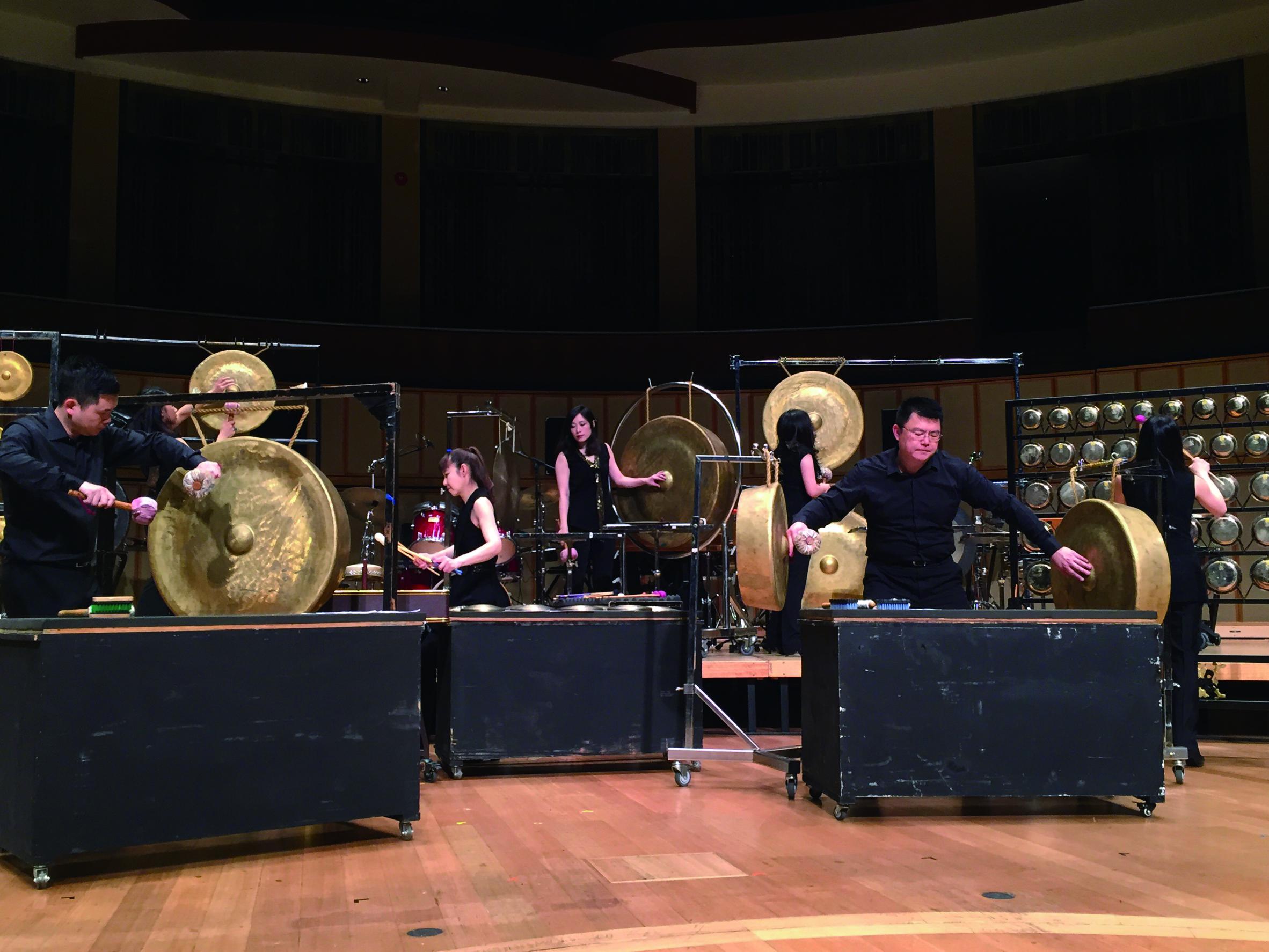 朱宗慶打擊樂團2月24日在濱海藝術中心演出大獲好評。.jpg