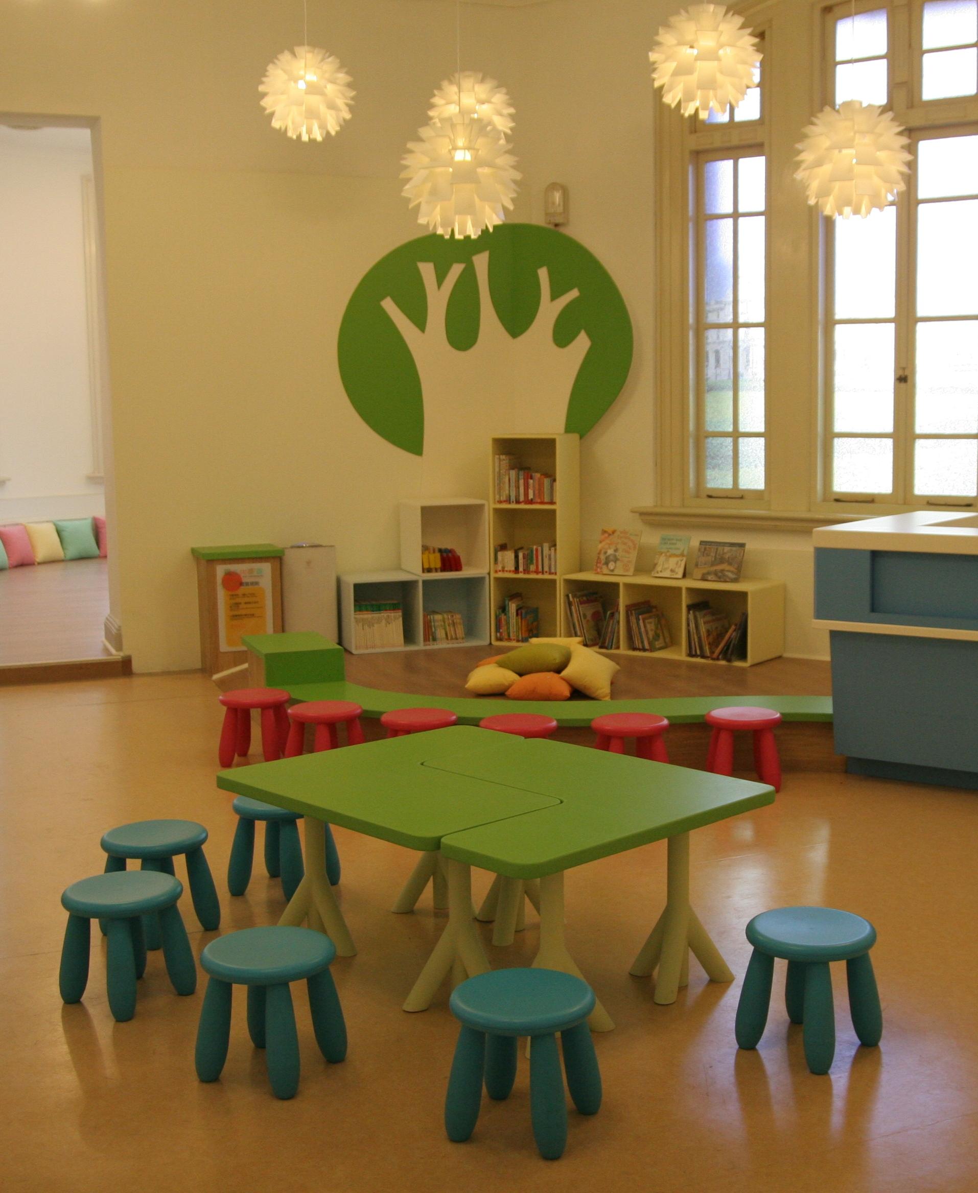 兒童文學書房親子共讀區.JPG