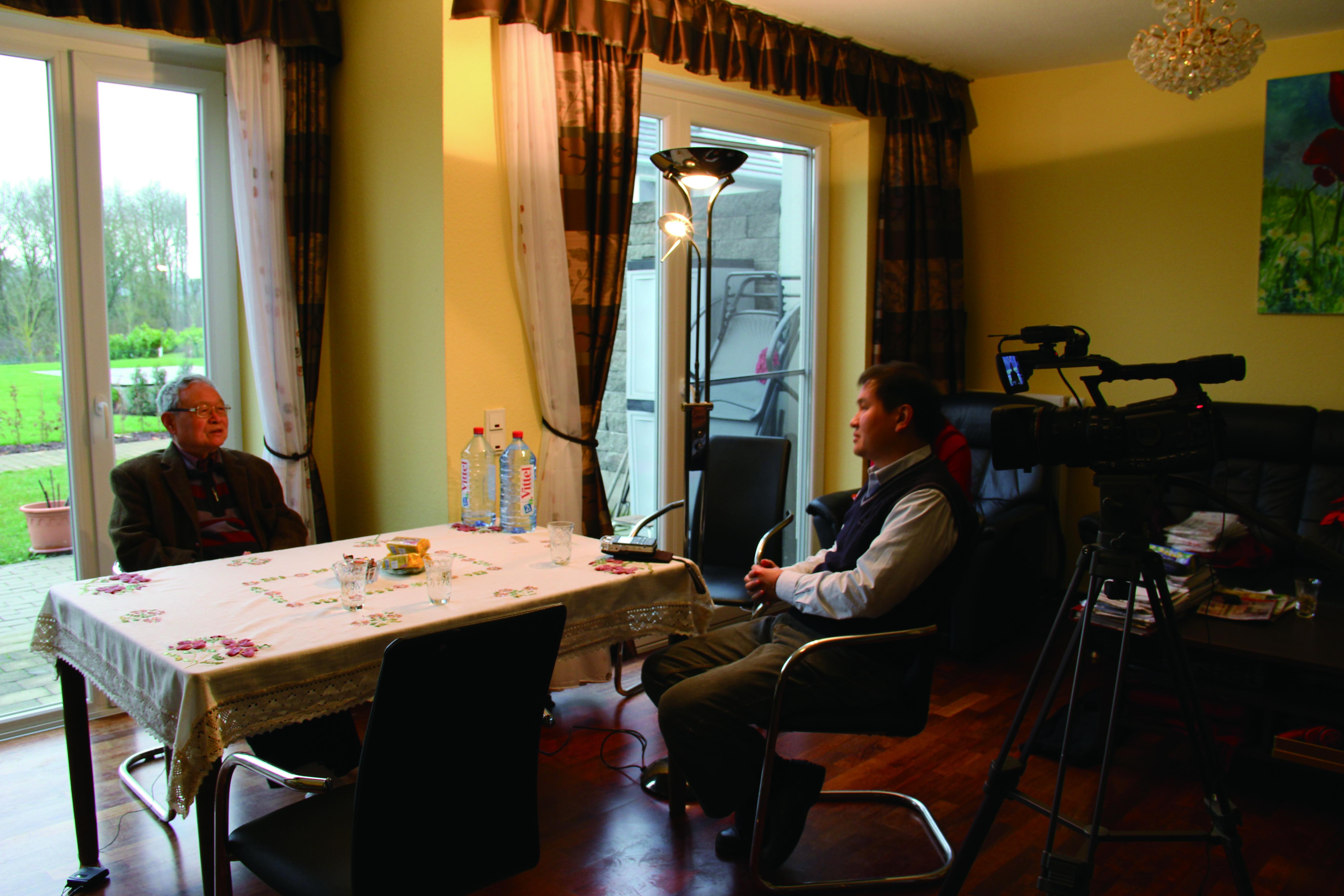 在歐樂思引薦下,2013年1月筆者前往波昂南方約160公里的特里爾(Trier)訪問到史惟亮留歐時期的好友,喬偉(1926-)。喬偉是漢學家,曾就讀臺灣大學。他是特里爾大學漢學系的創辦人。.JPG