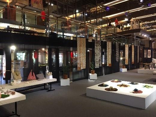 1樓主題特展區-「染點6 + 1 染織創作展–夢開始的地方」