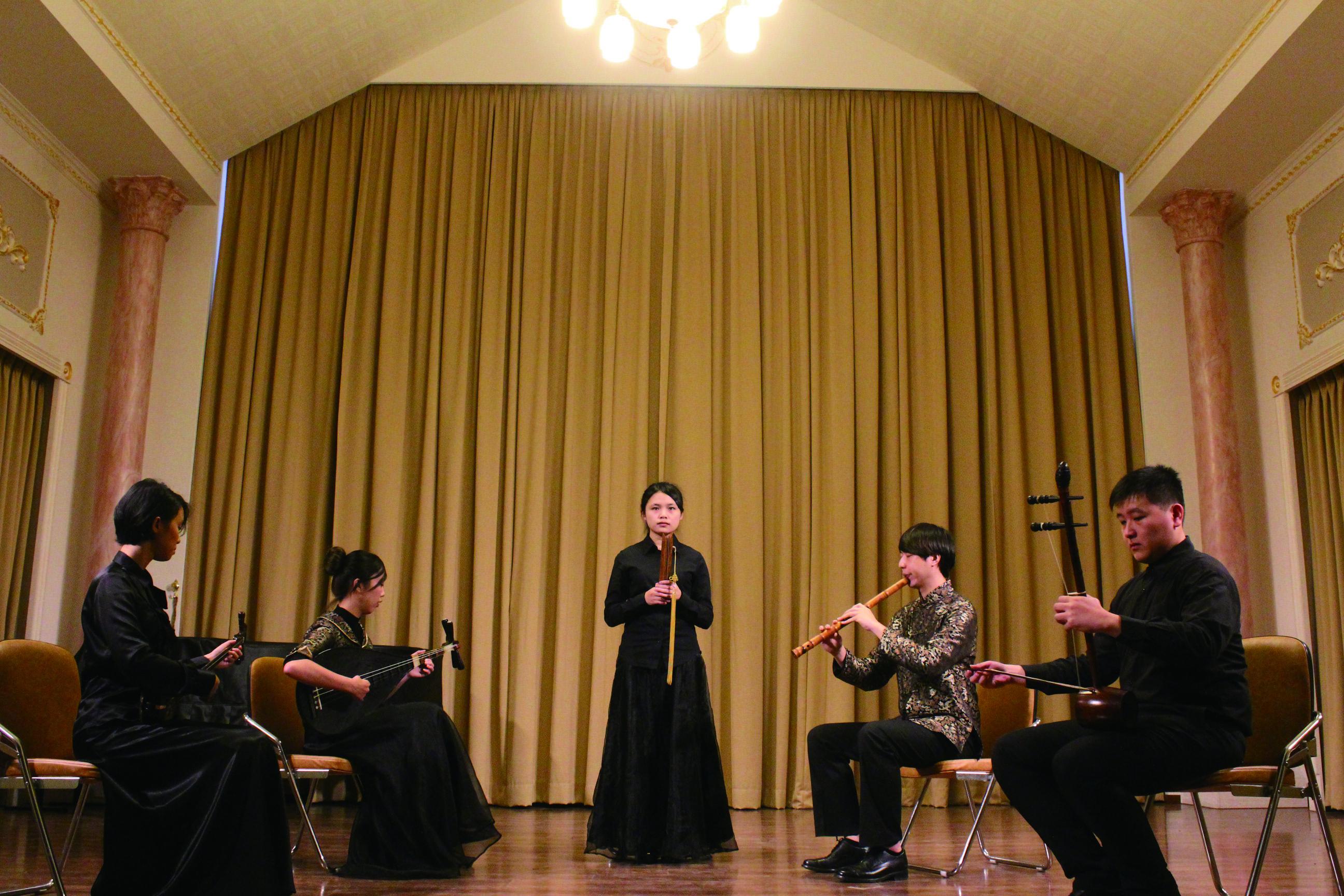 圖3傳統音樂在漢族社會生活中,扮演極具重要的功能與社群意義,圖為南管上四管演出。(國立臺北藝術大學傳統音樂學系提供).JPG