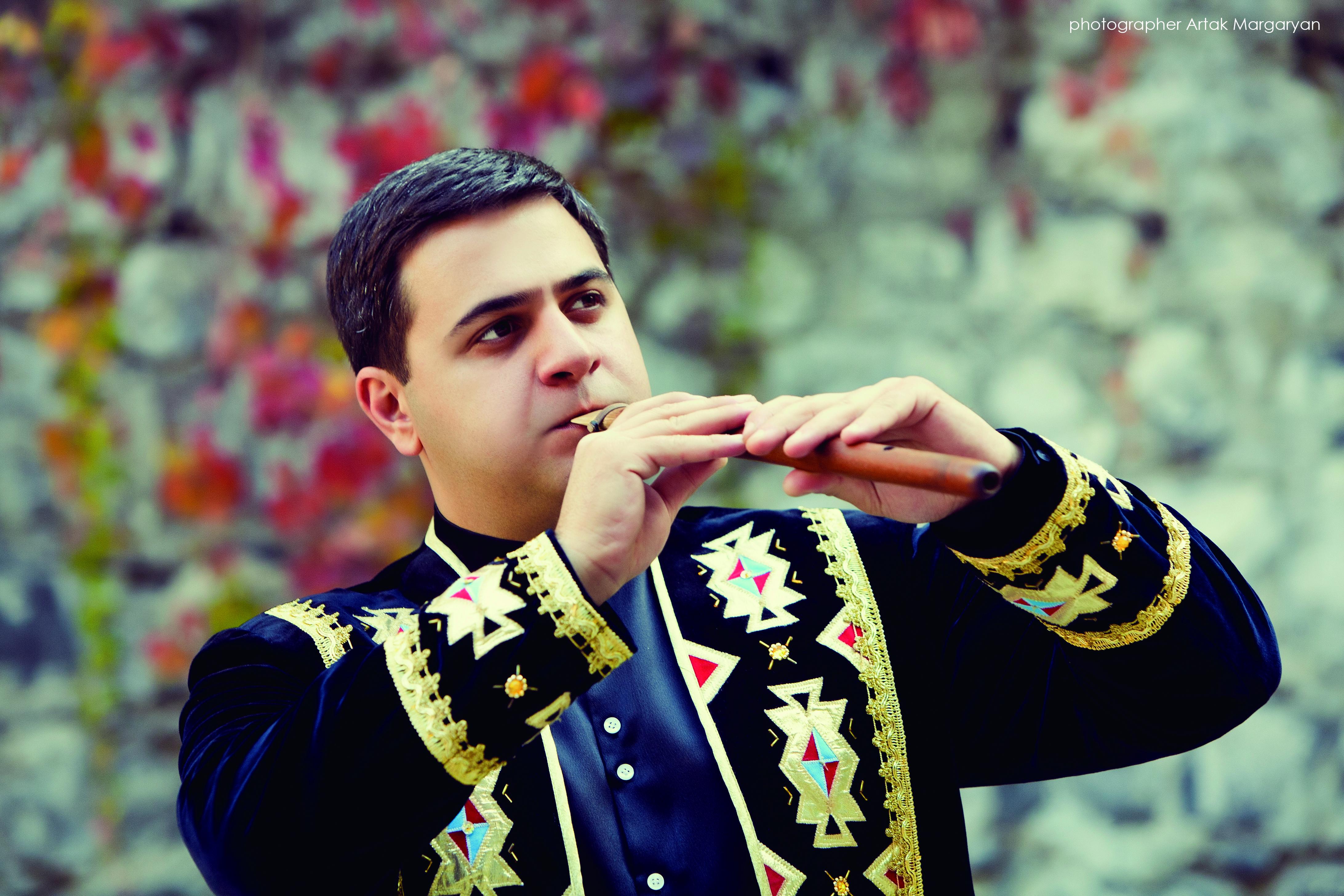 圖3來自外高加索地區的亞美尼亞杜讀管三重奏《The art of the Armenian duduk》,將展示被稱為世界上最古老的樂器之一的亞美尼亞杜讀管的古老風情與跨界創意。.jpg