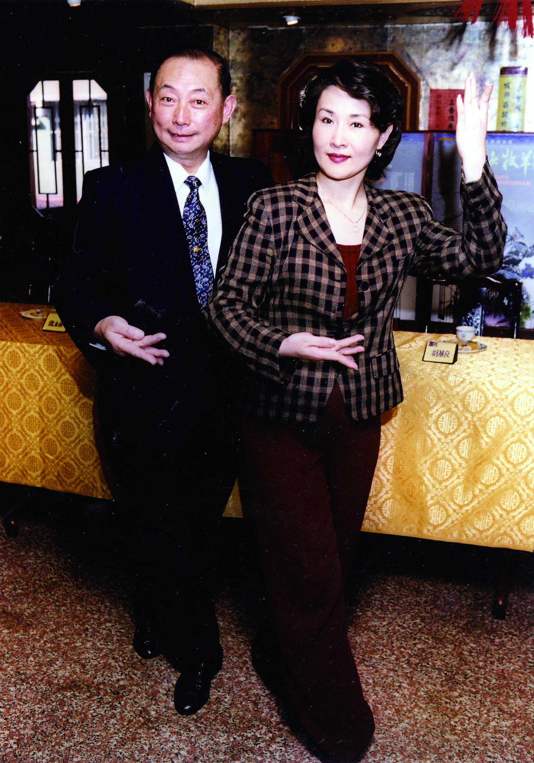 1996 年臺北,《龍女牧羊》演出記者會。( 魏海敏京劇藝術文教基金會提供).jpg