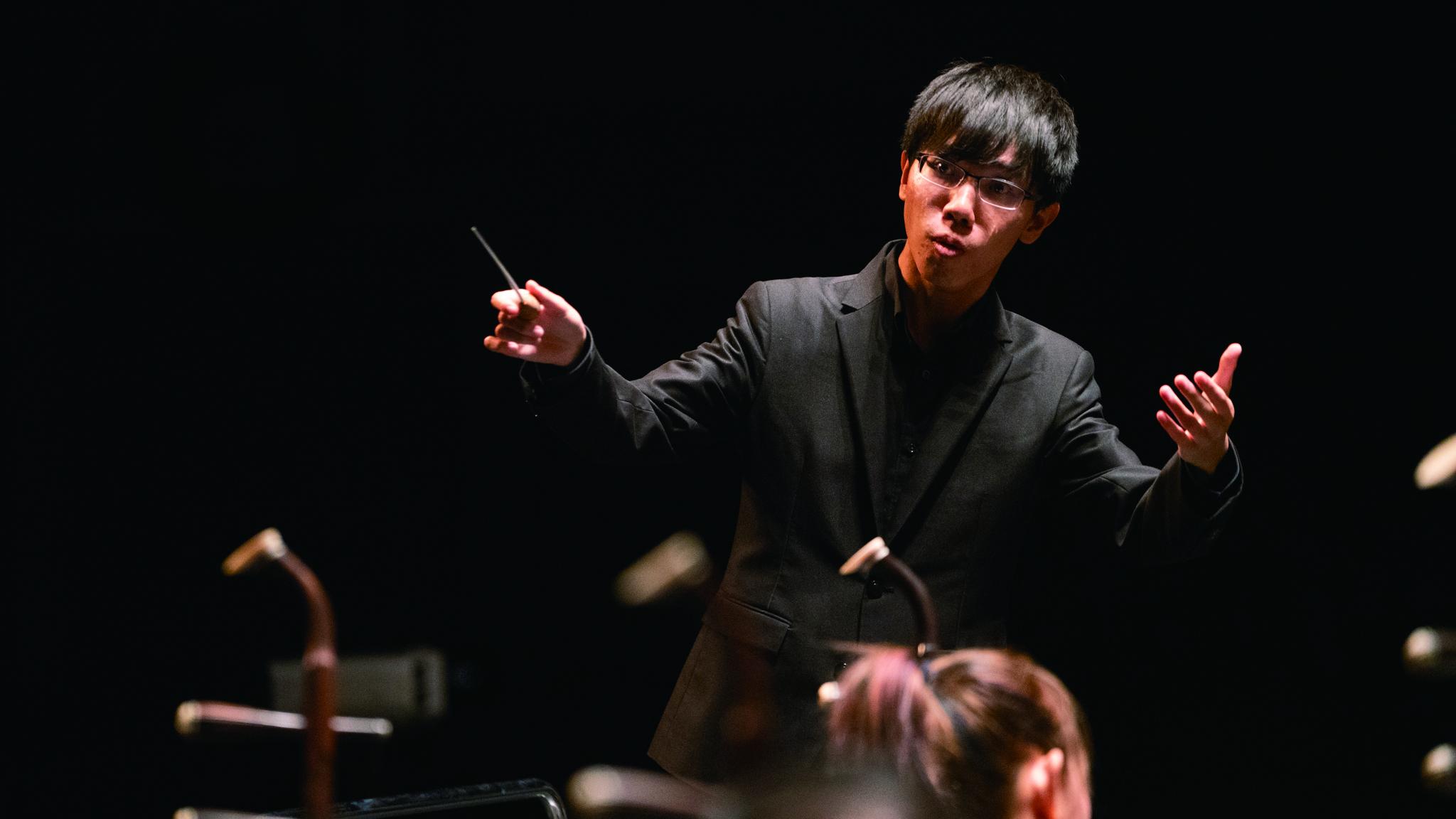 除了《2018菁英爭揮—青年指揮選拔之夜》第一名的殊榮,詹秉翔還獲得由作曲家參與評分的最佳作品演繹獎。.JPG
