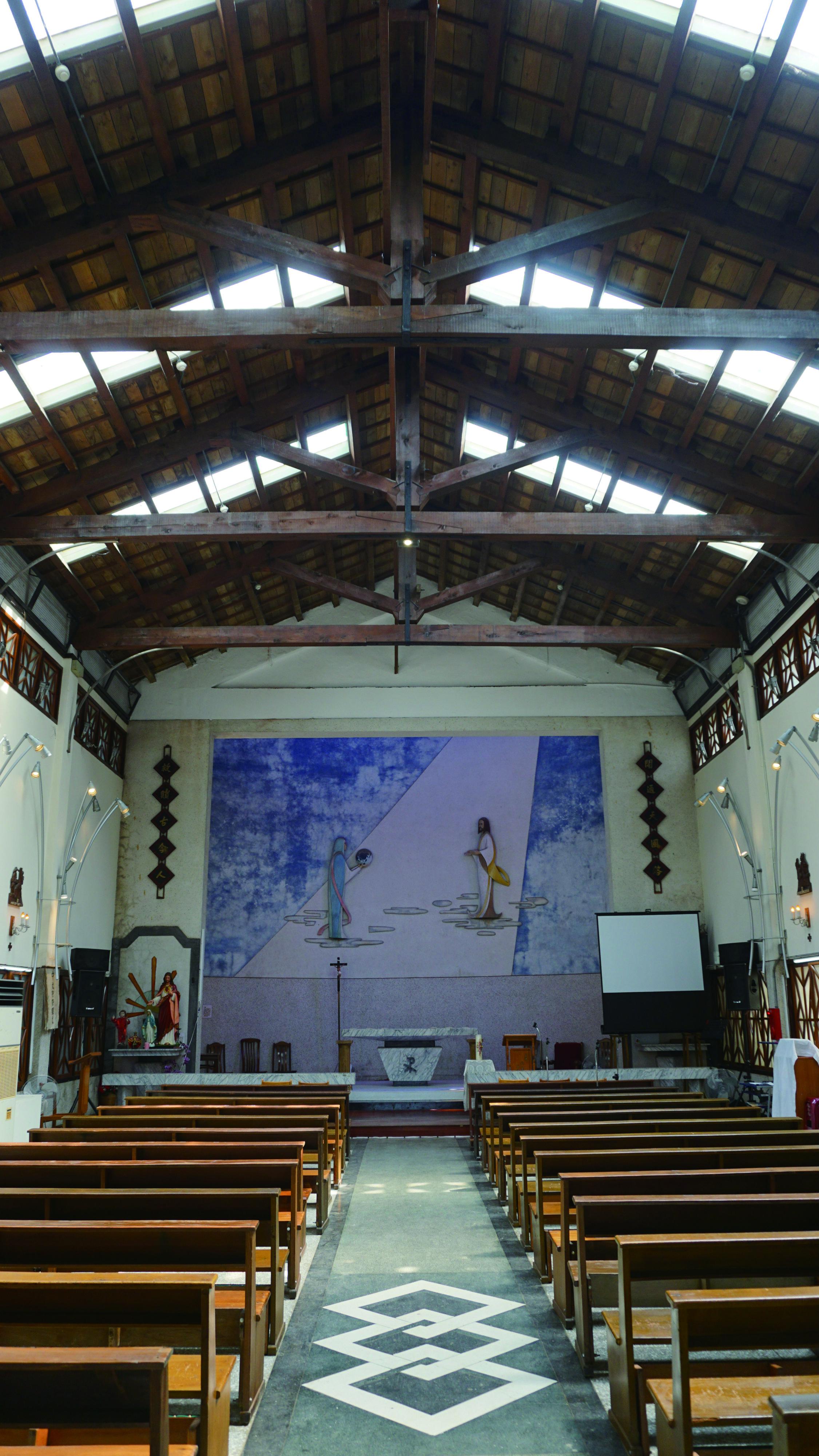 圖4 老湖口天主堂內部,樸實如古。.JPG