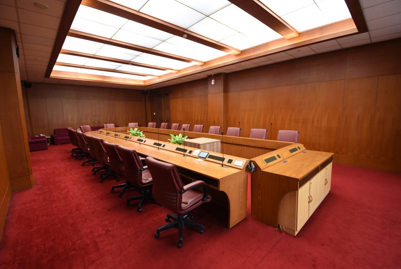 第一會議室主講台.jpg